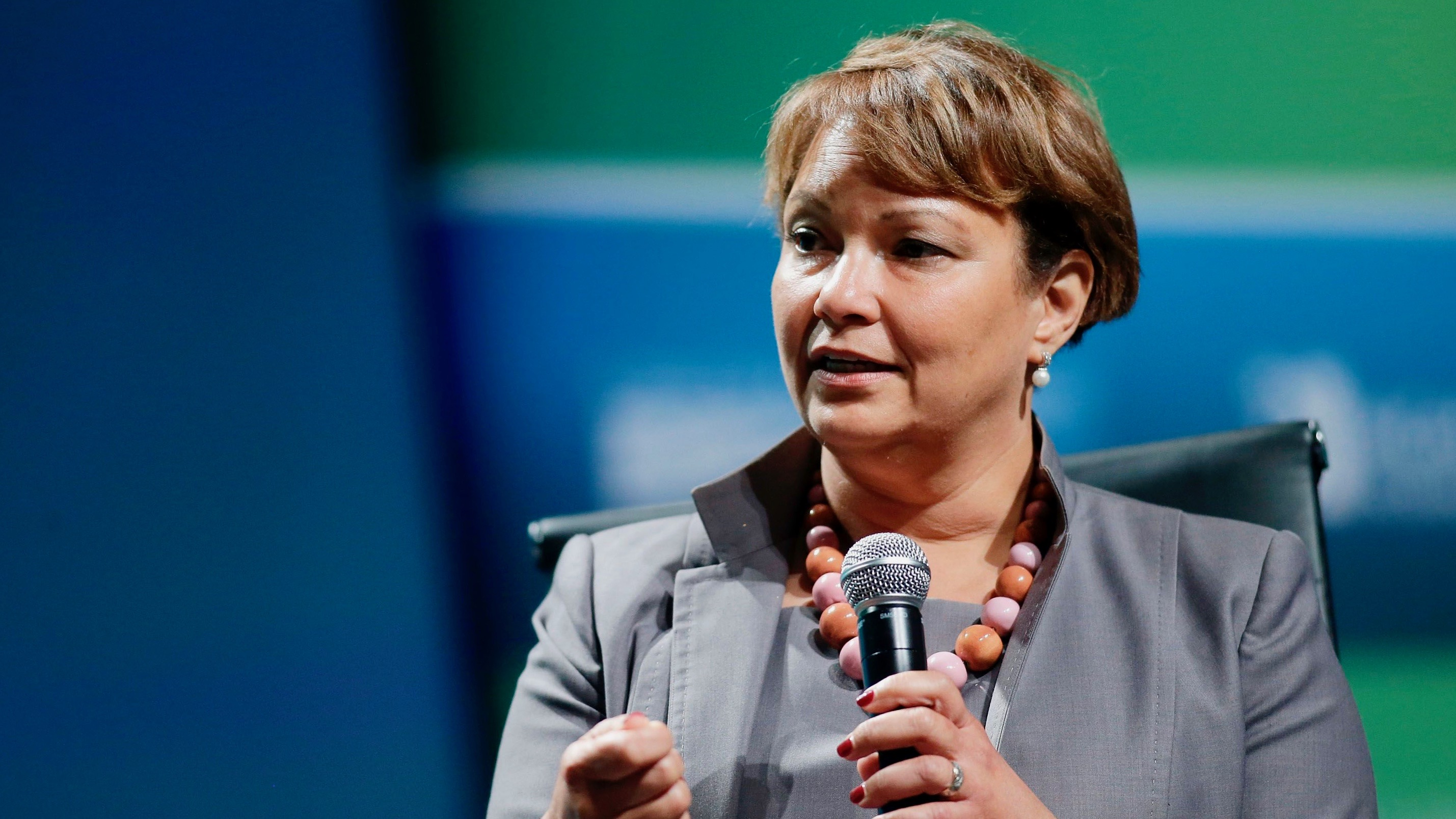 Apple to invest in mangrove forest protection and restoration in Colombia, Lisa Jackson says